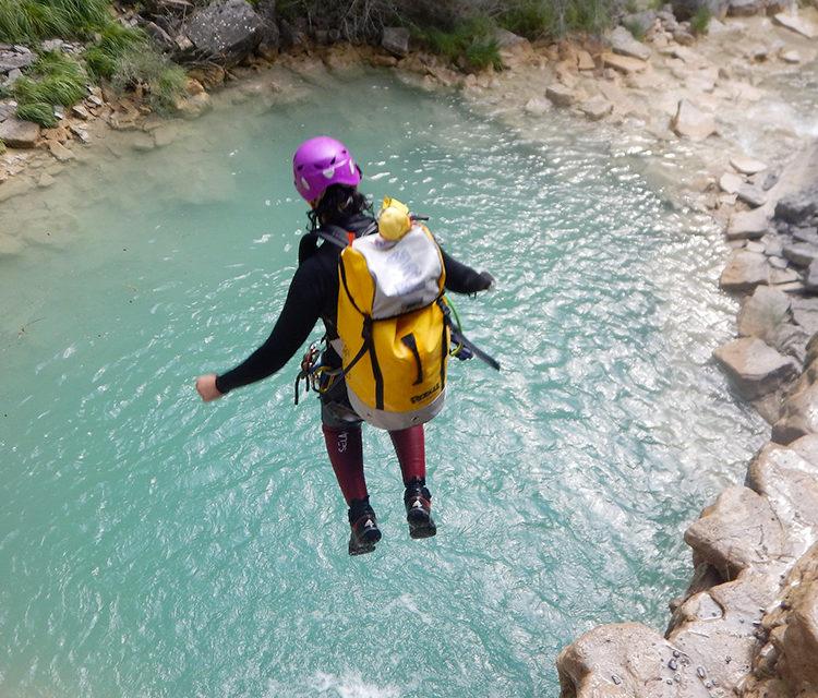 https://www.pugliaescursioni.com/wp-content/uploads/2020/02/River-Trekking-750x640.jpg