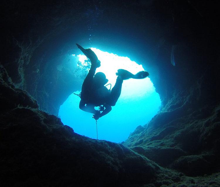 https://www.pugliaescursioni.com/wp-content/uploads/2020/02/scuba-experience-750x640.jpg